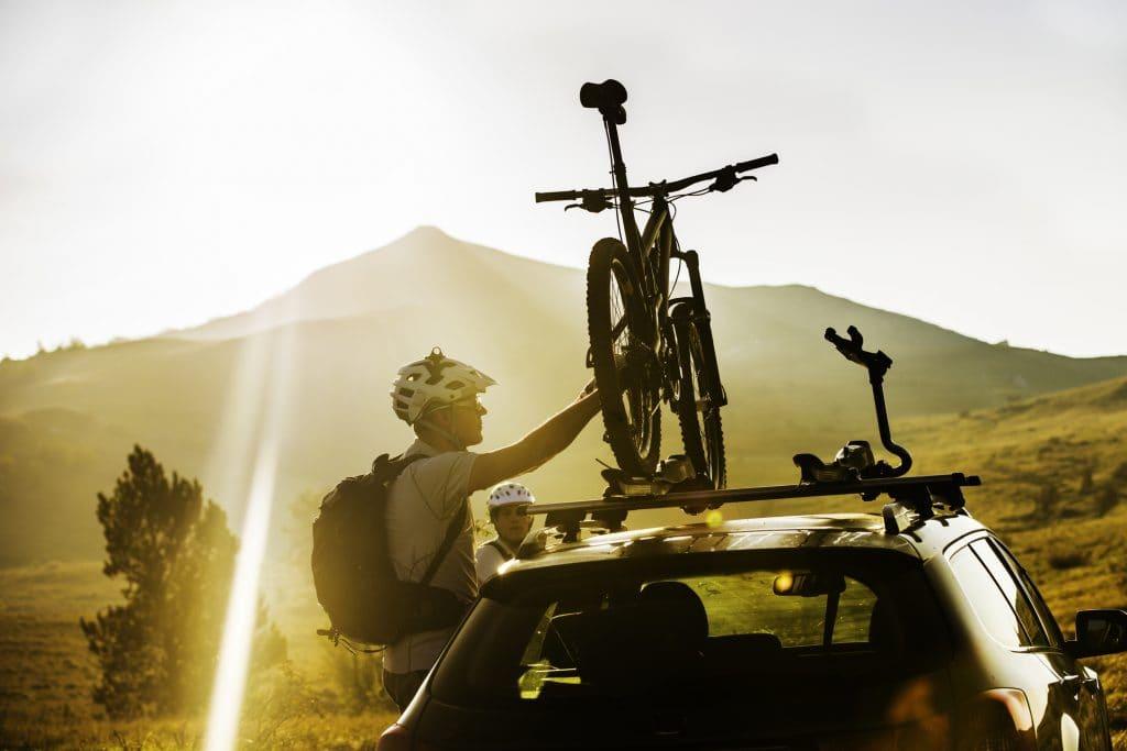 Jak przewieźć rower na samochodzie?